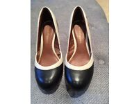 Hush puppies court shoes black, beige and tan-new - size 3