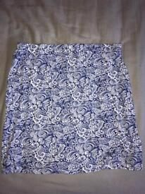BOOHOO blue and white mini skirt- size 10
