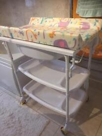 Changing table bath combo