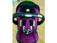 Britax Baby Safe PlusSHR II Infant Carrier Group 0+ (Max/Berry) with ISOFIX Car Base included.