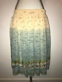 Ladies Printed Skirt, Size 16