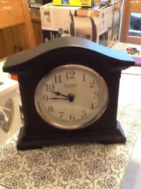 New black mantle clock Battery operated Unwanted gift