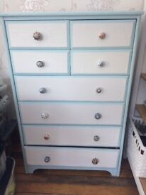 Shabby chic chest of 8 drawers