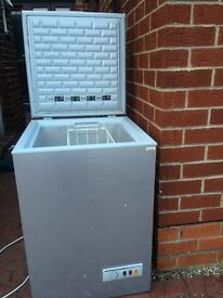 SILVER SCANDINOVA CHEST FREEZER IN EXCELLENT WORKING CONDITION.