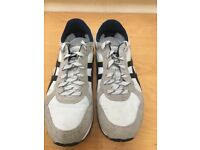 Men's size 44 Onitsuka Tiger trainers. Worn several times but excellent condition
