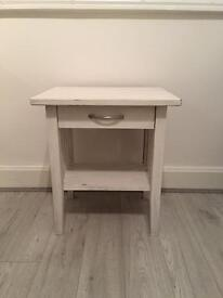 Solid oak side table (selling matching chest of drawers)