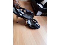 Ladies size 5 shoes
