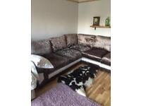 New Lovely crushed velvet corner sofa