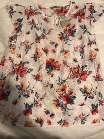 Pretty cotton top - size 14 by Tu