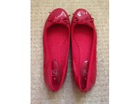 Red, patent pumps size 5