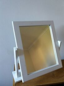 Small freestanding mirror
