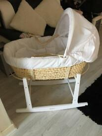Rocking Moses basket sheets and quilt