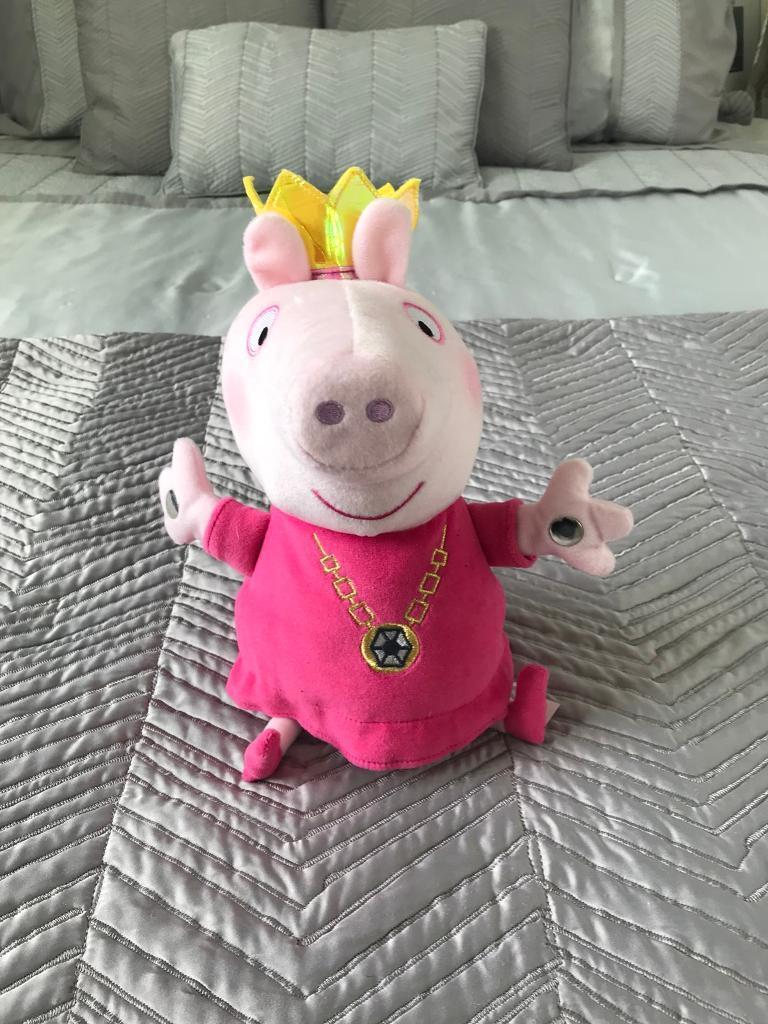 Peppa Pig Plush Princess Teddy