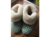 Slippers clean