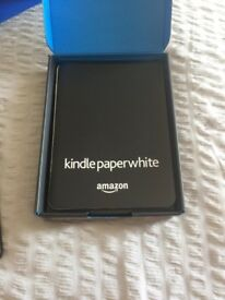 kindle paper white - minor scratches - selling for £80