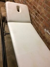 Massage table bed