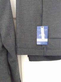 Gent's suit brand new