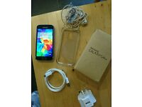 Samsung Galaxy S5 mini (unlocked) boxed with accesories