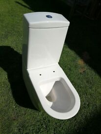 Close-coupled toilet bowl and cistern