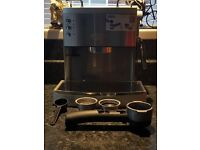 DeLonghi EC710 Espresso/ cappuccino/ latte Coffee Machine. Silver