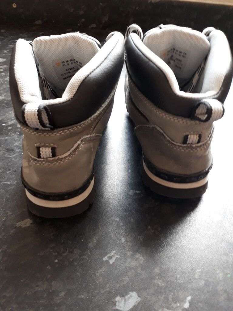 Boys grey timberland boots  791543012