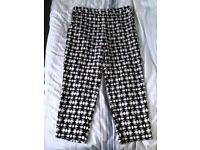 M&S Classic Pattern Pants - Size 18/20