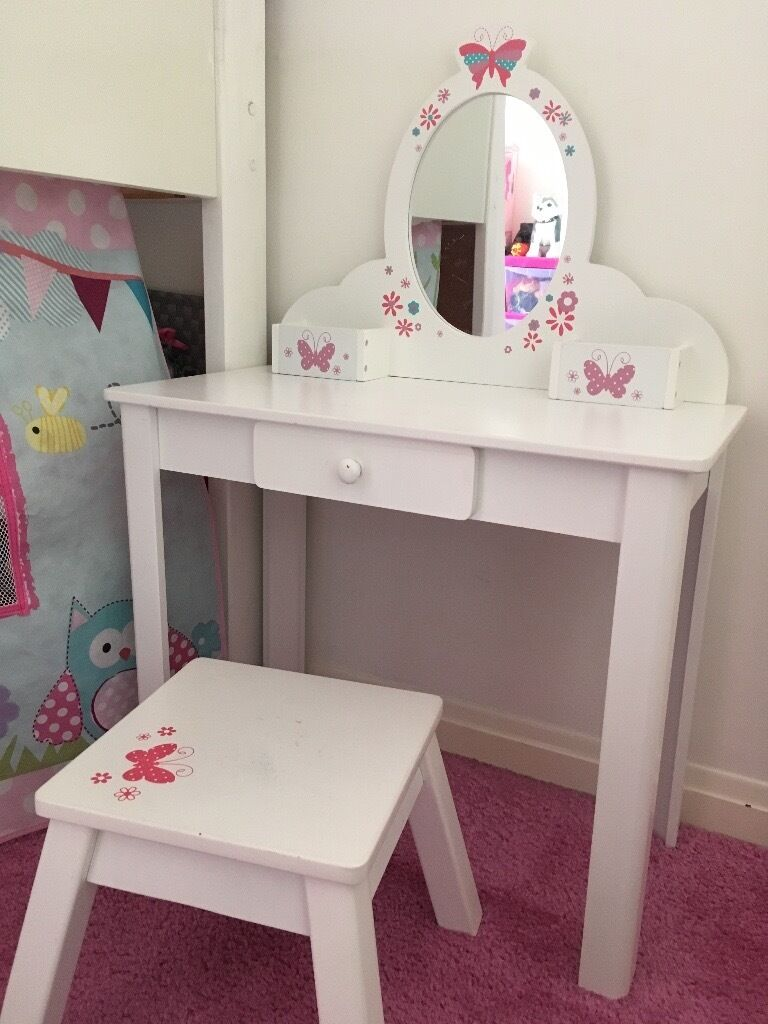 Elc White Wood Girls Dressing Table And Stool In Falkirk