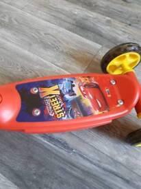 Kids DISNEY CARS scooter