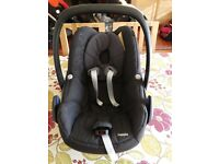 Maxi-Cosi Pebble Car Seat and Family Fix Base
