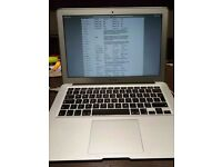 Good condition Macbook Air Core i5-1.8 GHz/128GB/13-Inch