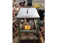 Bench saw with dropper