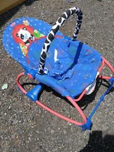FISHER PRICE Carry Seat Baby Chair EXCELLENT CONDITION - OAKVILLE 905 510-8720