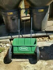 Lawn feeder