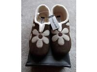 Brand new boxed Cushion Walk slippers size 3