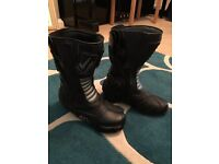 Ladies leather motorcycle boots for sale. UK size 5.