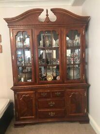 display unit vintage showcase