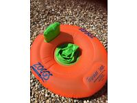 Zoggs baby swim seat 3-12 months! X 2 available! Excellent condition, hardly used!
