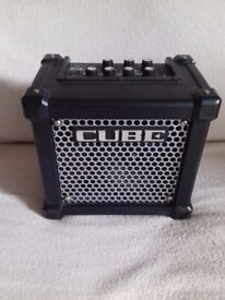 Roland Micro Cube Guitar Amp... small easy to carry robust street amp