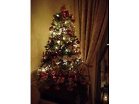 4FT SNOWY CHRISTMAS TREE WITH HINGED BRANCHES