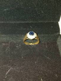 9ct Gold ring with sapphire and diamonds