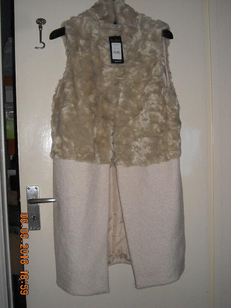 4c2e35ae9f5f29 New Look women half fur sleeveless coat, size 14   in Bridgend ...