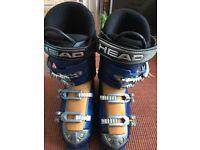 Ski boots (size 6.5)
