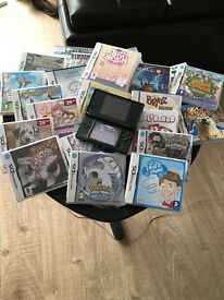 DSI Nintendo black, charger, bag and 19 games plus 4gb memory scandisk