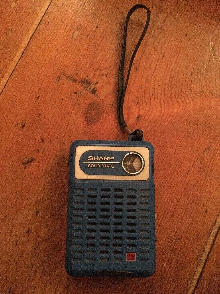 VINTAGE SHARP RADIO