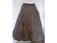 Ladies / Women's Skirt - Medium - Zara