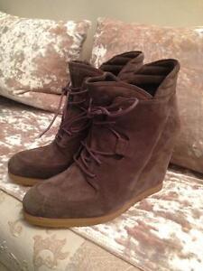 Stuart Weitzman Bootie/Shoe