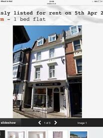 3rd floor flat in historic Old Town Hastings High St.Period building with lounge sea view.Light flat