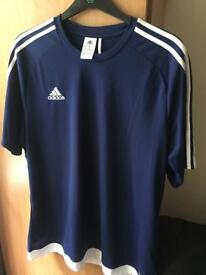 ADIDAS XL CLIMATE T SHIRT ONLY WORE ONCE