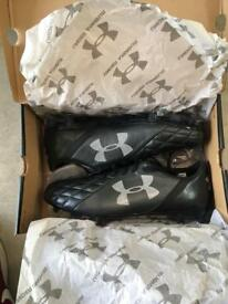 UnderArmour Size 10 Boots