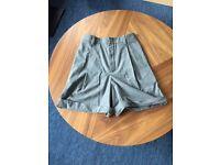 CHLOÉ grey wool shorts (size 36)